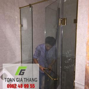 Công trình Vách kính tắm, Cửa kính lùa, Kính màu ốp bếp nhà anh Kết CC Tân Hoàng Minh, Hoàng Cầu, Hà Nội