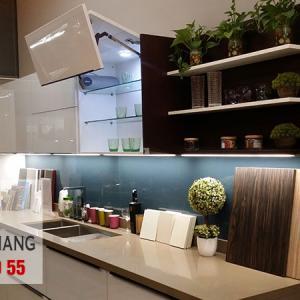 Dự án Vách tắm kính, Kính màu ốp bếp nhà anh Tuyến P1212 R2 Royal City - Toàn Gia Thắng