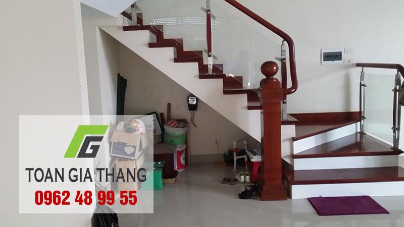 cau-thang-kinh-he-tru-0962489955