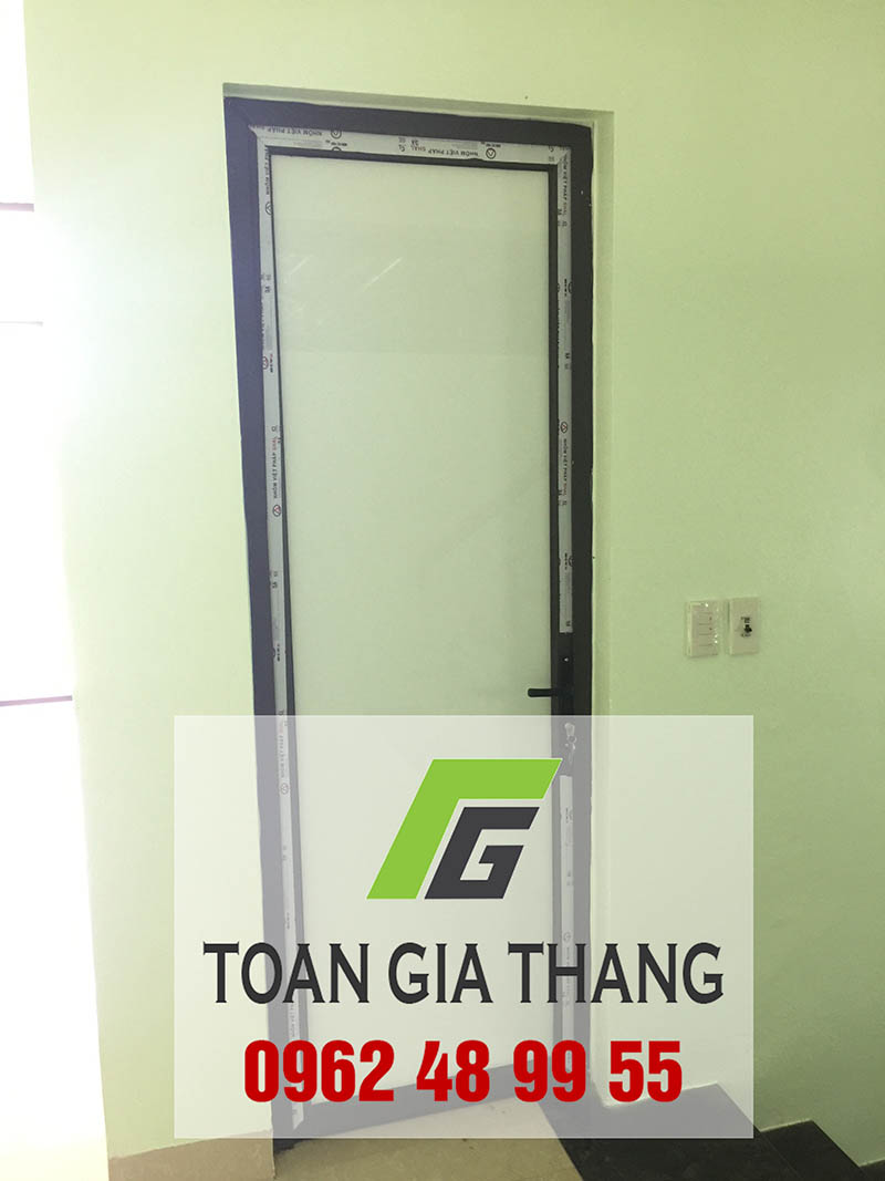 cua-nhom-viet-phap-he-4500-tgt