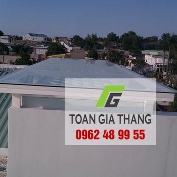 Mái nhà bằng kính cường lực