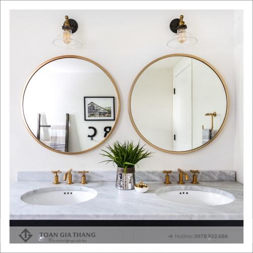 Gương soi phòng tắm