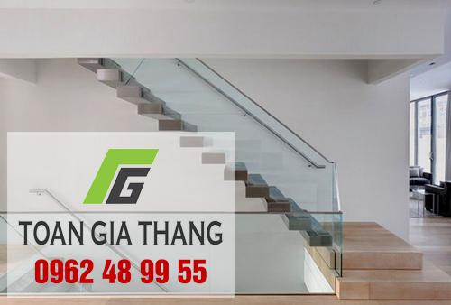 cau-thang-nhom-kinh-tay-vin-inox-0962489955