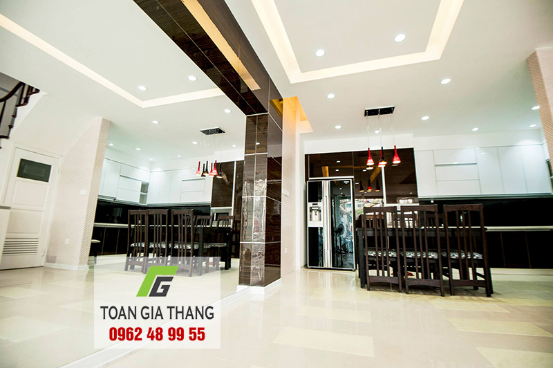cong-trinh-kinh-mau-op-bep-nha-anh-danh-so-28-vong-thi-toan-gia-thang