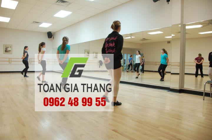 Guong-soi-toan-than-phong-tap